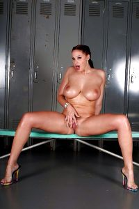 The Most Curvaceous Porn Queen Gianna Michaels – Stunning Figure Nicely Oiled – – Enjoy