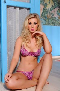 The Most Gorgeous Curves Of The Uk Glamour Babe Jess Davies – Stunning Figure Stunning Woman – Enjoy