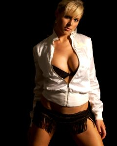 Abi Titmuss Send Your Hot Photos Through Kik