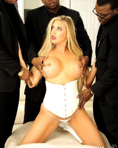 Samantha Saint Gets Fucked And Facialed With Big