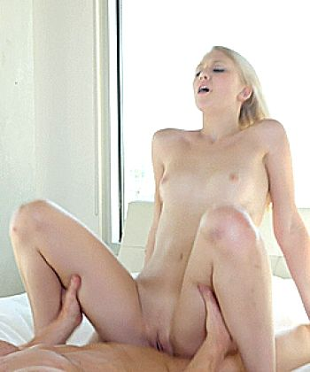 Lily Rader – A Girls Toys – Passion-hd
