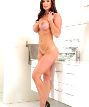 Oh Miss Lust – The Uber Cougar Kendra Lust – Just A Figure Built For Sinful Pleasure – Enjoy