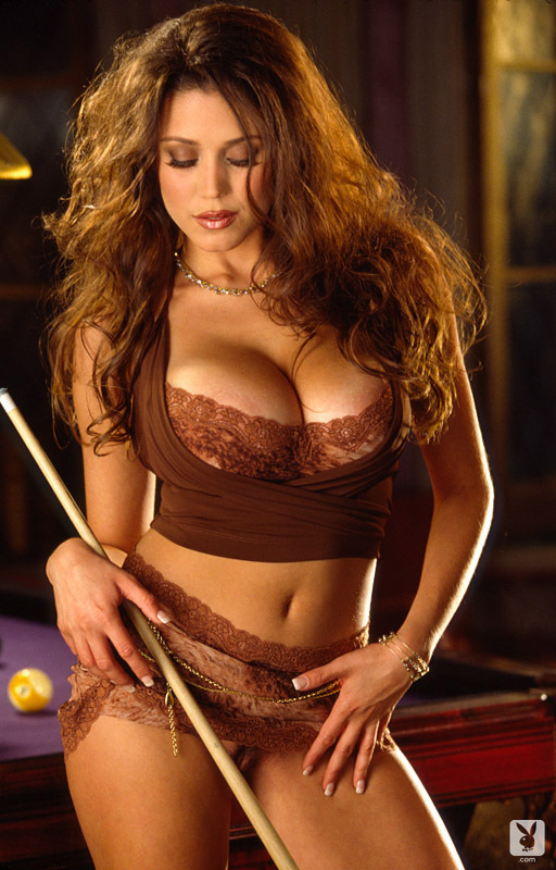 miriam-gonzalez-playmate-of-the-month-march-2001_001