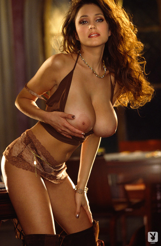 miriam-gonzalez-playmate-of-the-month-march-2001_005