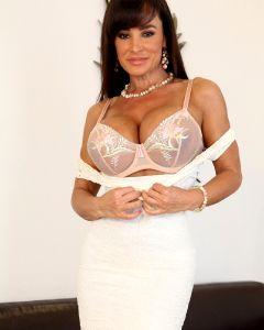 Always Good To See The Curvy Lisa Ann Just S