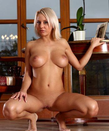 The Most Delicious Pornstress Mandy Dee Aka Millis A Etc – Stunning Natural Figure Gorgeous Tits – Enjoy