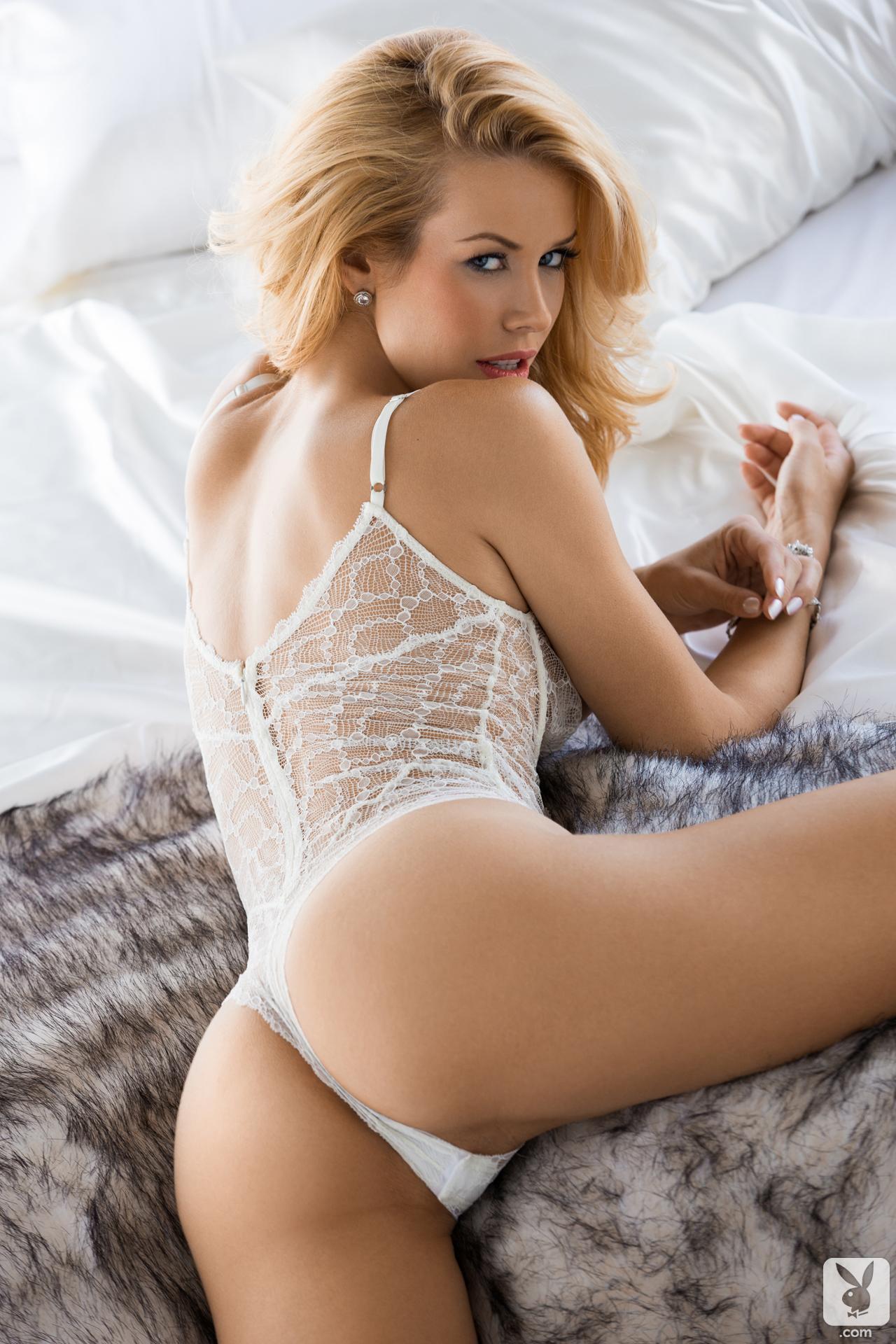 Busty dream girl nude